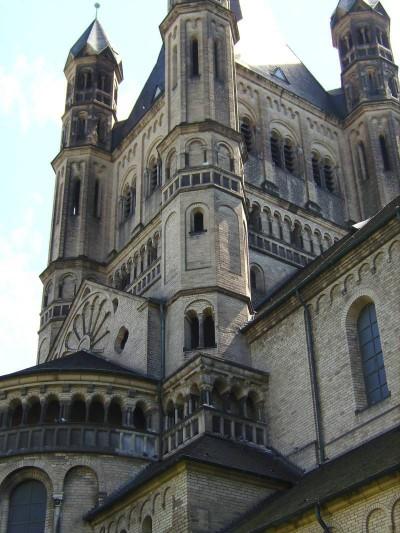 Turm der romanischen Kirche Groß St. Martin